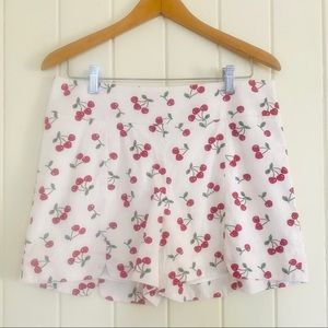🍒REVIEW Sz 12 Cherry Shorts EUC White Red Green